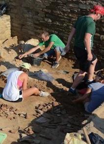 «Αρχαίο εμπορικό κέντρο ανακαλύφθηκε στις Σέρρες» της Έφης Ρουμελιώτη