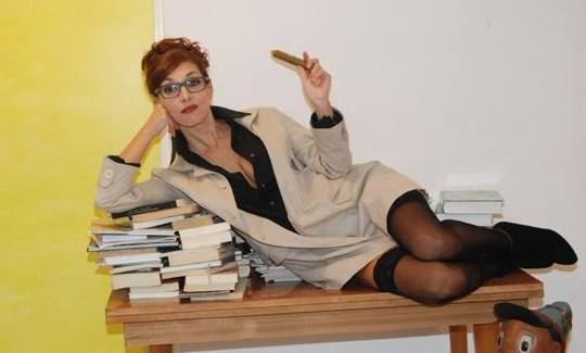 «Η Δεσποινίς Μαργαρίτα» με τη Δήμητρα Παπαδήμα στο θέατρο Αθήναιον στη Θεσσαλονίκη