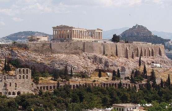 Ιατρική κάλυψη για τους επισκέπτες του Ιερού Βράχου της Ακρόπολης