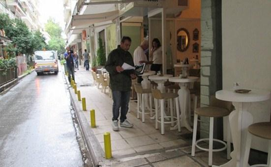 Θεσσαλονίκη: Κατασχέσεις τραπεζοκαθισμάτων και πρόστιμα μετά από ελέγχους στο ιστορικό κέντρο