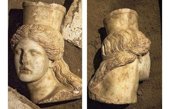 Αμφίπολη: αποκαλύφθηκε το μαρμάρινο κεφάλι Σφίγγας