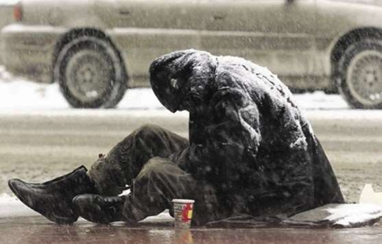 Αθήνα: ανοίγει για τους άστεγους το κλειστό του Ρουφ