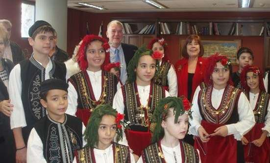 Χριστουγεννιάτικα κάλαντα στο Δημαρχείο Θεσσαλονίκης