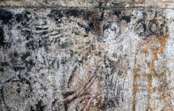 Οι παραστάσεις στα μαρμάρινα τμήματα των επιστυλίων του ταφικού μνημείου της Αμφίπολης