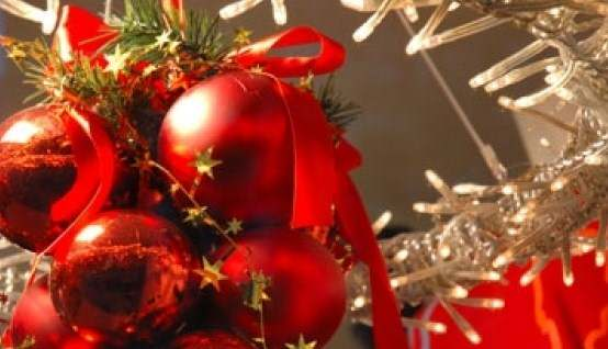 Παρατείνεται η υποβολή αιτήσεων για την κλήρωση θέσεων πώλησης χριστουγεννιάτικων ειδών έτους 2014