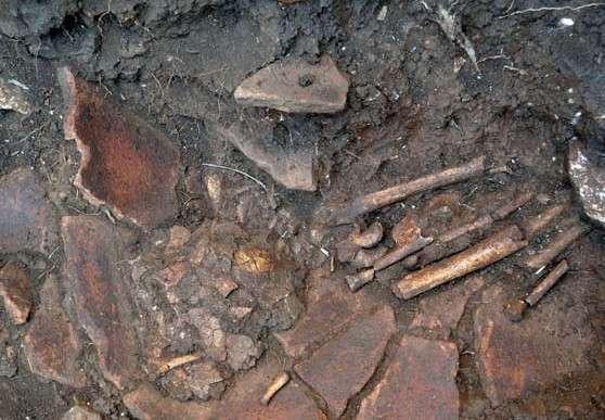 Ταφή εναγκαλισμού άνδρα και γυναίκας βρέθηκε στην ανασκαφή στο Διρό