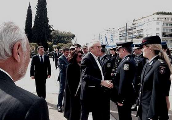 Ο ΥΠΟΠΑΙΘ Αριστείδης Μπαλτάς στη μαθητική παρέλαση της Αθήνας