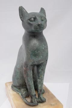 Το Εθνικό Αρχαιολογικό Μουσείο αφηγείται την ιστορία μιας Αιγύπτιας γάτας: Το Αθέατο Μουσείο αποκαλύπτει