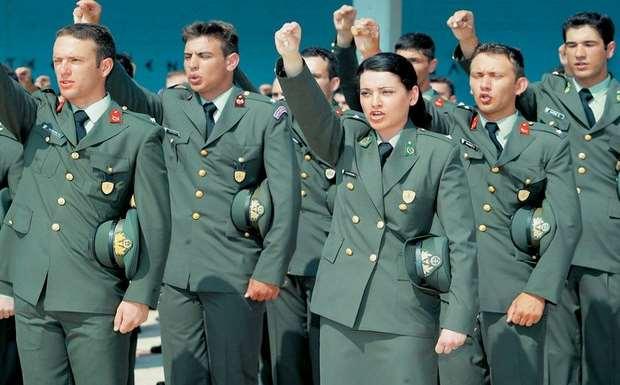 Επανέρχεται ο θεσμός των επιλαχόντων στις στρατιωτικές σχολές
