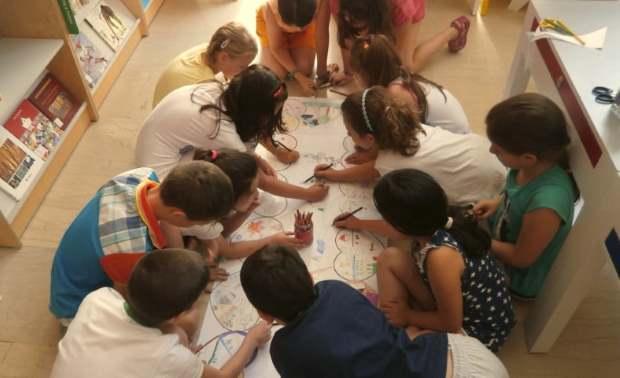 Δράσεις για παιδιά στην Περιφερειακή Βιβλιοθήκη Χαριλάου (Φεβρουάριος 2016)