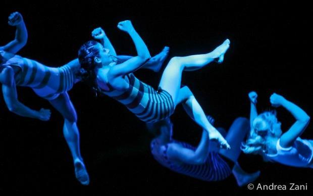 «FIREFLY» από το eVolution Dance Theater, στο Μέγαρο Μουσικής Θεσσαλονίκης Μ1