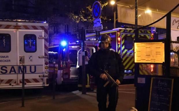 Νύχτα τρόμου στο Παρίσι: Τρομοκρατικές επιθέσεις με δεκάδες νεκρούς