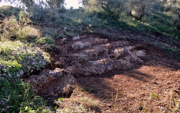 Αρχαίο θέατρο μεγάλων διαστάσεων εντοπίστηκε στη Λευκάδα