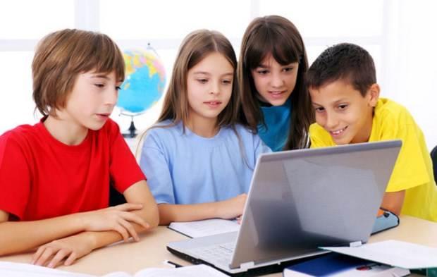 """«Το φαινόμενο του """"εθισμού"""" των παιδιών και των εφήβων στο Διαδίκτυο» της ψυχολόγου Αγγελικής Μπουμπούλη"""