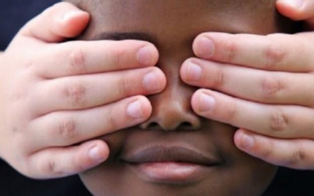 «Με την ποίηση πολεμάμε τον ρατσισμό», εγκύκλιος Φίλη στα σχολεία