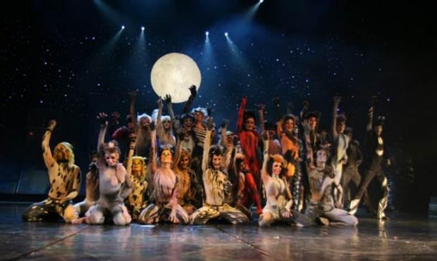 Οι απόφοιτοι των Σχολών Θεάτρου, Χορού και Μουσικών Εκπαιδευτηρίων χρηματοδοτούνται από το ΕΠΑνΕΚ