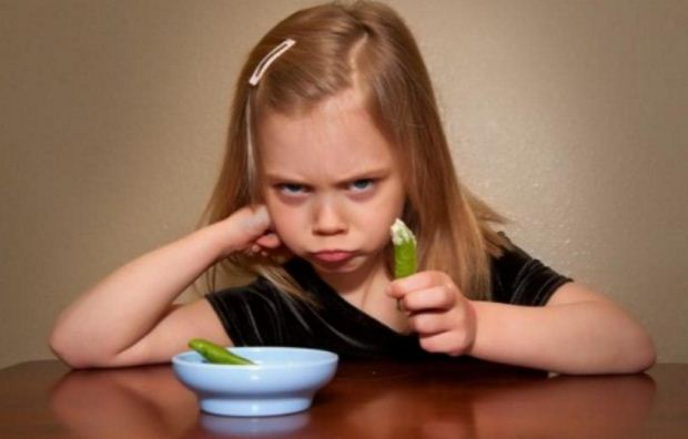 «Η άρνηση του παιδιού για φαγητό» της ψυχολόγου Μαρίνας Κόντζηλα