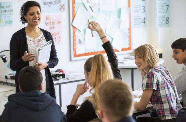 Παράταση υποβολής αιτήσεων εκπαιδευτικών Π.Ε. και Δ.Ε. για απόσπαση στο εξωτερικό