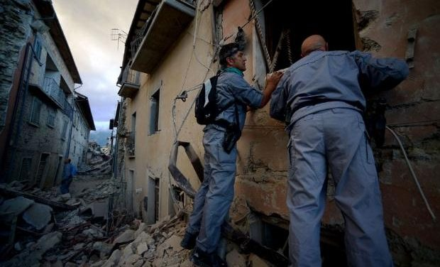 Σε ετοιμότητα για το ενδεχόμενο προσφοράς βοήθειας στην Ιταλία ύστερα από τον ισχυρό σεισμό