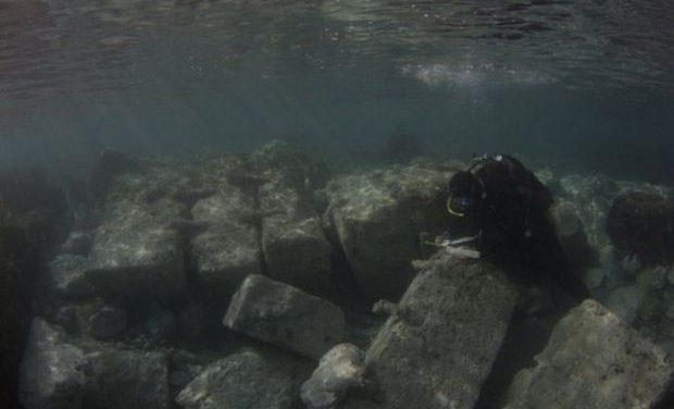 Υποβρύχιες έρευνες στο αρχαίο λιμάνι του Λεχαίου