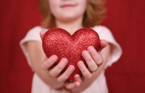 «Παιδιά και συναισθηματική νοημοσύνη: πώς τα βοηθάμε να τη χτίσουν;» της ψυχολόγου Μαρίνας Κρητικού