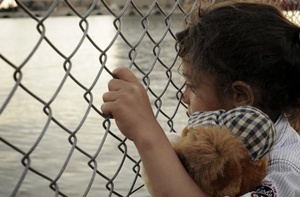 «Young Messiahs Paradox » έκθεση φωτογραφίας – εκδήλωση αφιερωμένη στους πρόσφυγες, 19/4 Space Lab