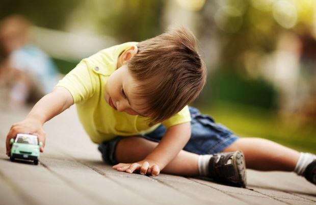«Πόσο ξέγνοιαστα είναι τα παιδικά χρόνια των παιδιών μας;»
