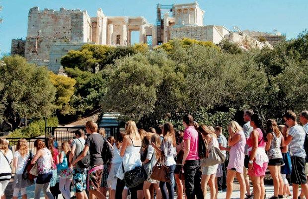 Ημέρα Μνημείων και Μουσείων: Ποια η σχέση του σύγχρονου Έλληνα με την πολιτιστική του κληρονομιά;