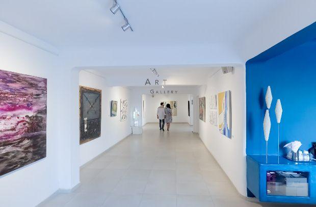 THINK OF ME | Ομαδική έκθεση ζωγραφικής | AQUA GALLERY (Art hotel Pyrgos Santorini)