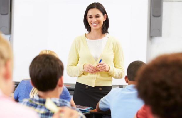 «Σχολείο και βελτίωση της κοινωνίας» της Μαρίας Σκαμπαρδώνη