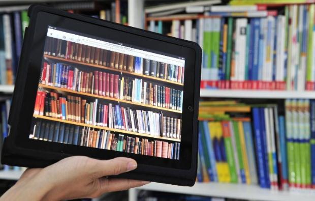 Ένας χρόνος «Βιβλιοδανός» – 140 Σχολεία!