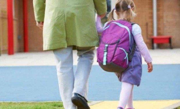 Αρχίζει σε 184 δήμους από το 2018-19 η δίχρονη υποχρεωτική προσχολική εκπαίδευση