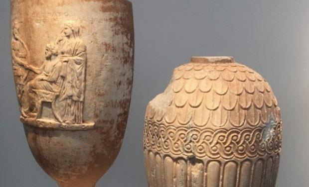 Κλεμμένα επιτύμβια αγγεία διεκδικεί το Υπουργείο Πολιτισμού