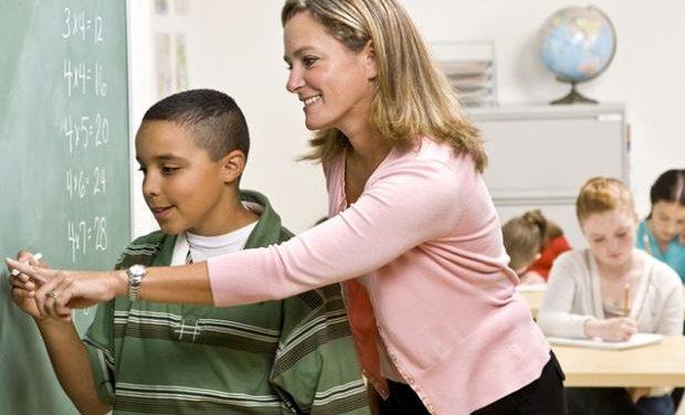 «Ένα παιδί μιλάει στο δάσκαλο…» της Μαρίας Σκαμπαρδώνη