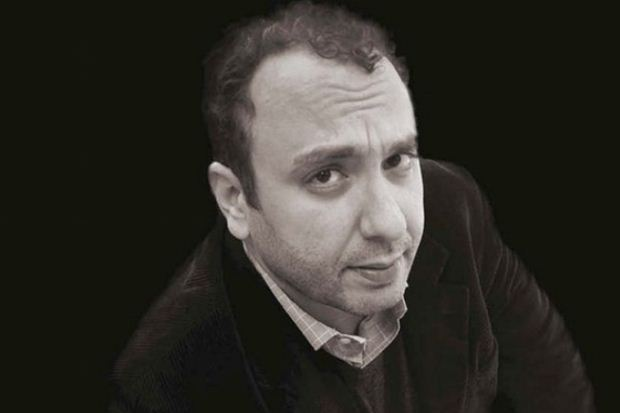 ΣΥΓΓΡΑΦΕΙΣ ΑΠΟ ΚΟΝΤΑ | Ο Χρήστος Χωμενίδης στο Βιβλιοπωλείο IANOS