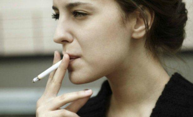 «Εφηβεία και κάπνισμα» της Μαρίας Σκαμπαρδώνη