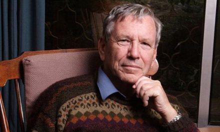 Διαδικτυακό αφιέρωμα με αφορμή τη δεύτερη επέτειο του θανάτου του συγγραφέα Άμος Οζ