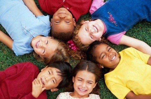 «Διδάσκοντας στα παιδιά να αγαπούν τη διαφορετικότητα…» της Μαρίας Σκαμπαρδώνη