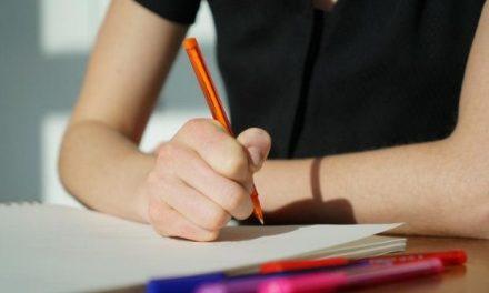 60 επιλεγμένα κριτήρια αξιολόγησης για την Έκφραση – Έκθεση της Β' Λυκείου