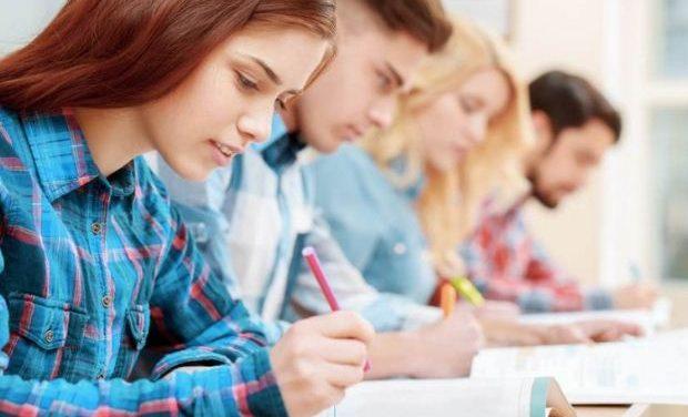 Πανελλήνιες 2018: Με Αγγλικά ξεκινούν σήμερα οι εξετάσεις Eιδικών Μαθημάτων