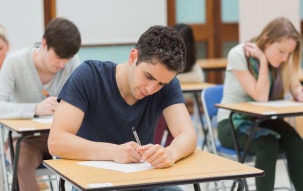 Τι προβλέπεται για την επίδειξη γραπτών δοκιμίων των Πανελλαδικών Εξετάσεων
