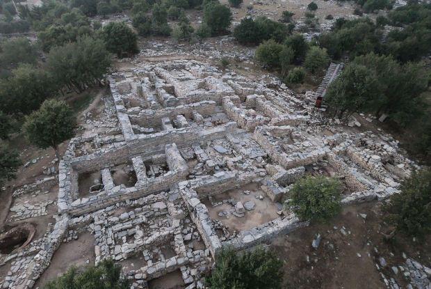 Ανασκαφή της Αρχαιολογικής Εταιρείας στο ανακτορικό κτήριο της Ζωμίνθου