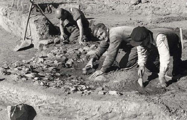 Μια άγνωστη γερμανική ανασκαφή στα χρόνια της Κατοχής, στο «Αθέατο Μουσείο» του ΕΑΜ