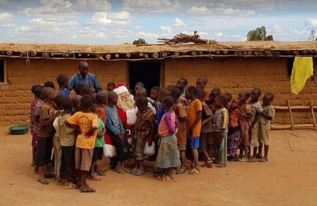 ActionAid: Πώς να είσαι ο Αϊ Βασίλης κάθε μέρα του χρόνου