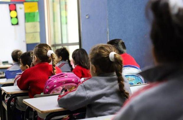 Υπουργείο Παιδείας: Τα προσφυγόπουλα από τα ΚΥΤ Κω και Σάμου πάνε σχολείο
