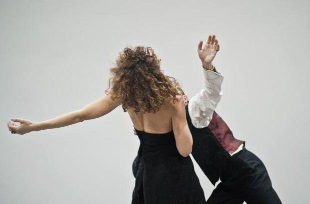 Μαθήματα Σύγχρονου Χορού με την Ελισάβετ Πλιακοστάθη