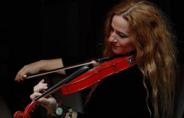 Η Ευανθία Ρεμπούτσικα στο Μέγαρο Μουσικής Θεσσαλονίκης / Σάββατο 2.2. 21:00