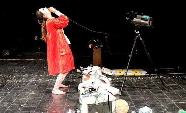 Εργαστήριο στην performance (θεωρία, πράξη, παρουσίαση) / 2&3 Φεβρουαρίου @ΟΜΝΙΑ