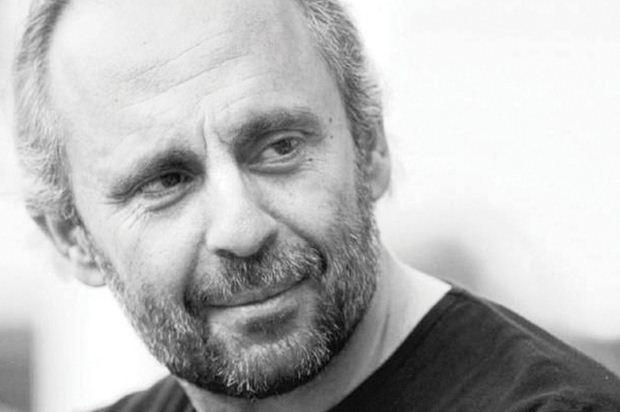 Ο σκηνοθέτης Σωτήρης Χατζάκης στο «Θέατρο στο Πατάρι» του ΙΑΝΟΥ με Ντοστογιέφσκι