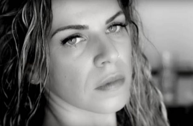 Βιολέτα Ίκαρη // Νέο single & video clip – Το φλυτζάνι